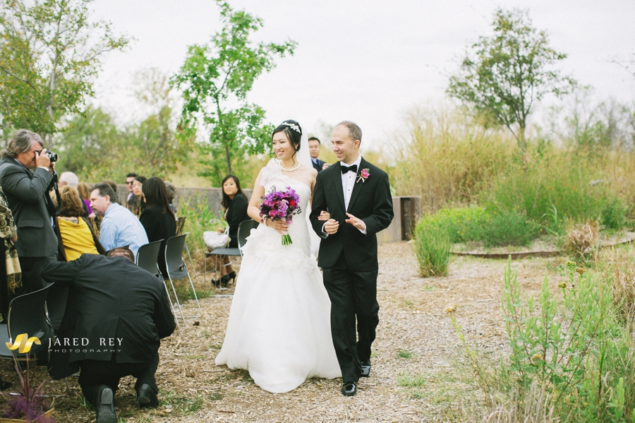 Justin and Stephanie Earl Married at the Trinity River Audubon Center in Dallas (5)